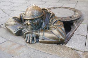 Najfotografovanejšia socha nakorze vBratislave - Čumil.